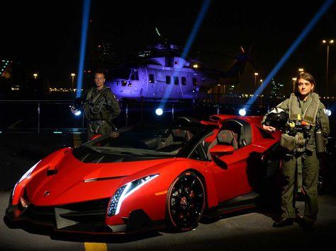 Lamborghini Veneno Roadster Makes Public Debut On Italian Aircraft