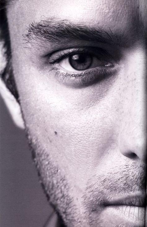 Jude Law. °                                                                                                                                                      Más