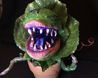 Little Shop Of Horrors Man Eating Plant 50cm Sculpture Movie Prop Replica Audrey 2 Horror Plant Tienda De Los Horrores Formas De Color Tipos De Contenedores