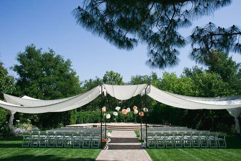 have an outdoor wedding, but keep your guests shaded-great idea