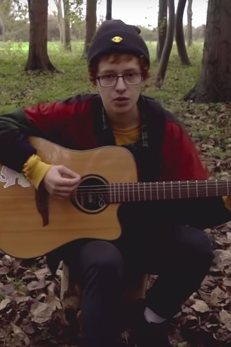 """Listen to these 8 dreamy songs from Robin Skinner, aka Cavetown, including """"Green"""" and """"I'll Make Cereal. Country Song Quotes, Country Music Lyrics, Music Like, My Music, Fake Smile Quotes, Country Girl Problems, Lady Antebellum, King Of Music, Latest Albums"""