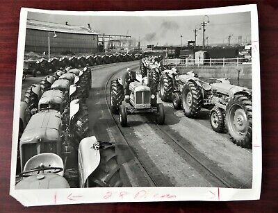 Ebay Ad Url Kggallery Ford Tractors Assembly Line 1954 Fords Dagenham England Plant Photo Uk 1954 Ford Assembly Line