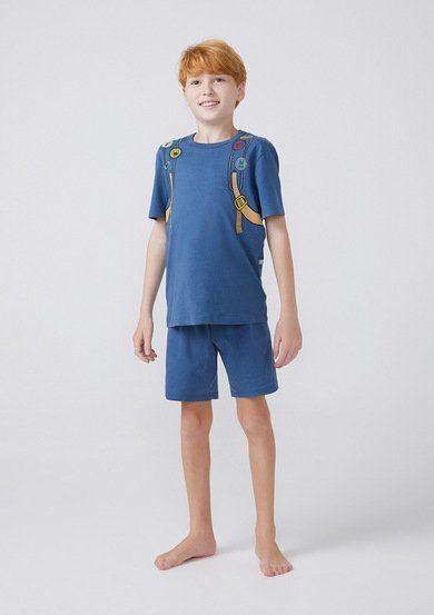 Esse Pijama é elaborado em meia malha de algodão. Conta com uma camiseta manga curta com estampa temática e um shorts liso com cós em elástico. Invista em um pijama mais confortável e divertido para o seu filho, ele vai adorar vestir essa experiência!
