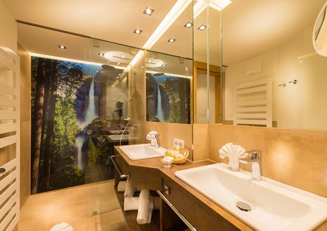 Neue Berghof Suiten  Badezimmer   Verwöhnhotel Berghof 4 Sterne Superior  Salzburger Land Österreich © Www.hotel Berghof.com | Pinterest