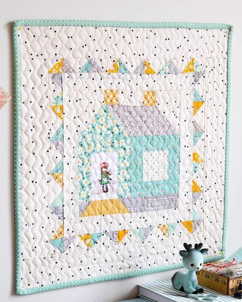 Cozycottage House: House Quilts, Quilted Wall