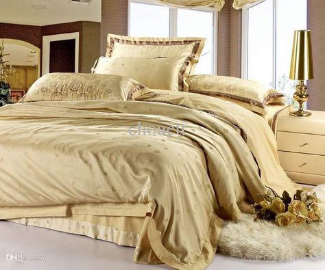 Wholesale Christmas Satin Jacquard Bedspreads Gold Silk Duvet