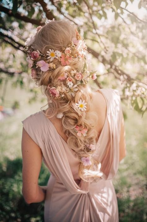 flowers in hair Romantic floral pink white flower wedding hair accessory White Wedding Flowers, White Flowers, Wedding White, Wedding Flower Hair, Whimsical Wedding Hair, Hippie Wedding Hair, Romantic Flowers, Fresh Flowers, Boho Wedding