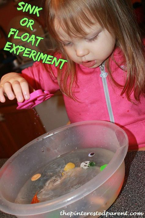 Sink or float experiment. Fun & easy science.