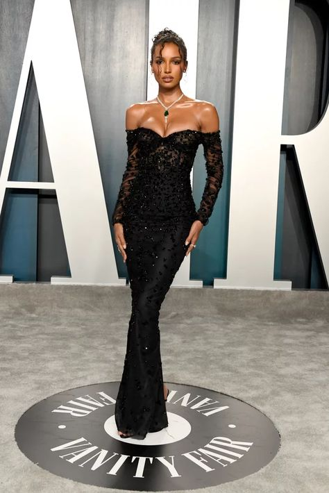 Jasmine Tookes at the Vanity Fair Oscars Afterparty 2020 – Expolore the best and the special ideas about Red carpet dresses Rihanna Red Carpet Dresses, Beyonce Red Carpet, Black Dress Red Carpet, Red Carpet Gowns, Celebrity Red Carpet Dresses, Best Red Carpet Dresses, Black Gala Dress, Rihanna Dress, Best Celebrity Dresses