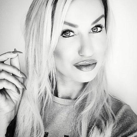 𝑀𝑒𝒾𝓃 𝐿𝑒𝒷𝑒𝓃. 𝑀𝑒𝒾𝓃𝑒 𝐸𝓃𝓉𝓈𝒸𝒽𝑒𝒾𝒹𝓊𝓃𝑔𝑒𝓃. 𝑀𝑒𝒾𝓃𝑒 𝐹𝑒𝒽𝓁𝑒𝓇. 𝑀𝑒𝒾𝓃𝑒 𝐿𝑒𝓀𝓉𝒾𝑜𝓃𝑒𝓃. 𝒩𝒾𝒸𝒽𝓉𝓈 𝓌𝒶𝓈 𝒹𝒾𝒸𝒽 𝑒𝓉𝓌𝒶𝓈  𝑀𝑒𝒾𝓃 𝐿𝑒𝒷𝑒𝓃. 𝑀𝑒𝒾𝓃𝑒 𝐸𝓃𝓉𝓈𝒸𝒽𝑒𝒾𝒹𝓊𝓃𝑔𝑒𝓃. 𝑀𝑒𝒾𝓃𝑒 𝐹𝑒𝒽𝓁𝑒𝓇. 𝑀𝑒𝒾𝓃𝑒 𝐿𝑒𝓀𝓉𝒾𝑜𝓃𝑒𝓃. 𝒩𝒾𝒸𝒽𝓉𝓈 𝓌𝒶𝓈 𝒹𝒾𝒸𝒽 𝑒𝓉𝓌𝒶𝓈 𝒶𝓃𝑔𝑒𝒽𝓉. #mittelfingermittwoch #goodmorning #lovemeorhateme #hatersgonnahate #myself #me #girl #makeup #esteelauderdoublewear #eyes #lips #love #permanentmakeup #look #style #fas
