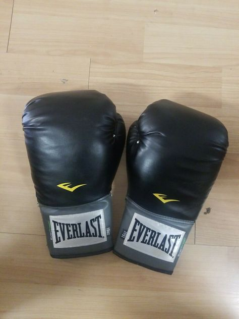 Black Everlast Pro Style Full Mesh Palm Training Boxing Gloves Size 14 Ounces