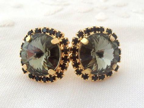 #weddings #jewelry #earrings #bridesmaidgift #bridalearrings #bridesmaidsearrings #swarovskiearrings #crystalstudearring #weddingjewelry #rhinestoneearrings #goldearrings #vintagestyle #smokeygraystuds #grayearrings #victorianstyle