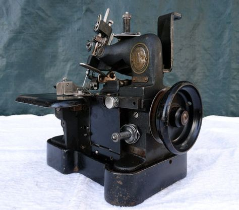 Small Vintage Singer 81 60 Industrial Over Edging Carpet Sewing Machine Antique Dikis Makineleri Dikis