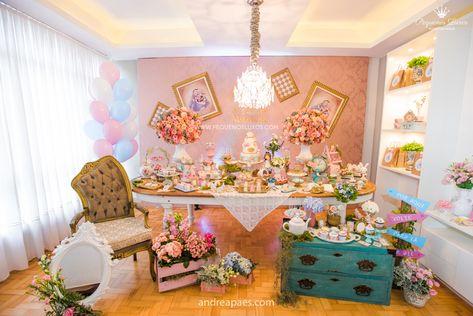 Festa No Tema Alice No Pais Das Maravilhas Decorada Pela Pequenos