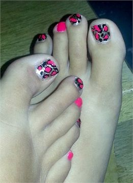 Day 99: Pink & Gold Leopard Pedi Nail Art - - NAILS Magazine