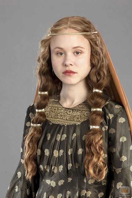 Impressive Renaissance Hairstyles The Haircut Web Renaissance Hairstyles Medieval Hairstyles Historical Hairstyles