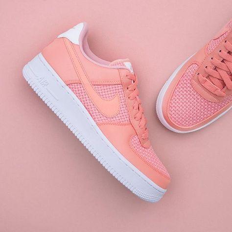 factory price 75908 3034d Nike Wmns Air Force 1 07 SE - AA0287-601 •• Den nyaste AF1 an går inte av  för hackor 😍  nike  airforce1  footish