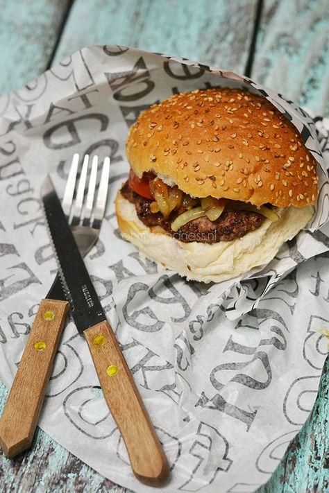 Fastfood Friday: McDonald's 1955 Classic - OhMyFoodness