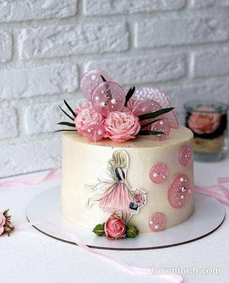 مینی کیک رویایی جشن تولد دخترونه با تم صورتی کرم تزیین شده با گلهای رز مینیاتوری