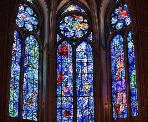 Reims Cathedral: The Ridiculously Gorgeous Union of Gothic Architecture and Marc Chagall Medieval Stained Glass, Stained Glass Church, Stained Glass Art, Stained Glass Windows, Fused Glass, Reims Cathedral, Cathedral Windows, Church Windows, Marc Chagall