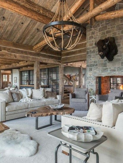 A Rustic Mountain Retreat Perfect For Entertaining In Big Sky Rustic Home Interiors Modern Rustic Homes Rustic House