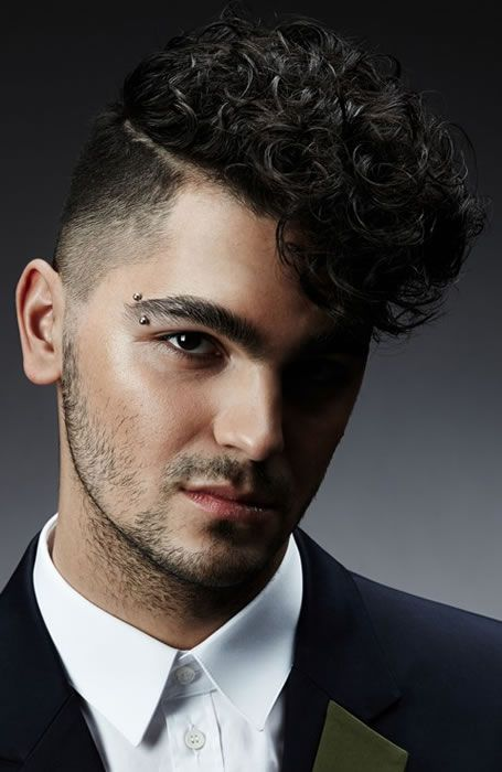 24 Stylish Taper Fade Haircuts For Men In 2020 In 2020 Curly Hair Men Haircuts For Men Wavy Hair Men