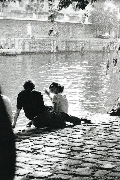 Chamade – Vintage French Photos- Claude Renaud – Paris 1963 Chamade – Vintage französische Fotos – Claude Renaud – Paris 1963 L (Visited 1 times, 1 visits today) Photo Vintage, Vintage Love, French Vintage, Vintage Romance, Young Love, Claude, Couple Pictures, Prom Pictures, Belle Photo