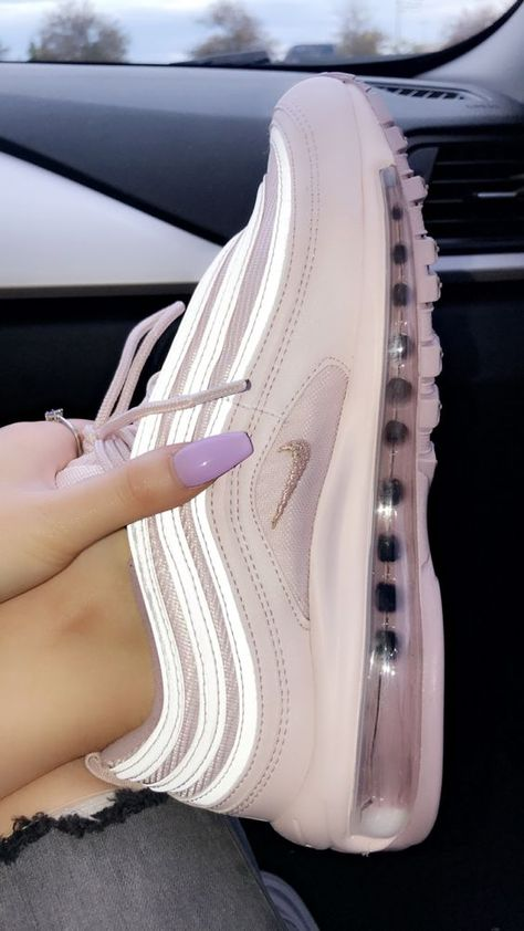 40 Cute Shoes You Will Definitely Want To Save #sneakers  #shoes  #tenis  #nike