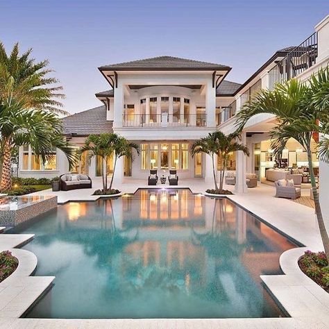 15 Luxury Homes With Pool Millionaire Lifestyle Dream Home Amazing House With Pool Beach House Plan Luxury Homes Dream Houses Mansions