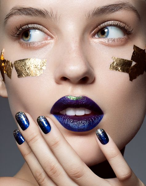 LOVE this blue and gold lipstick and blue and gold nail polish ombre lipstick
