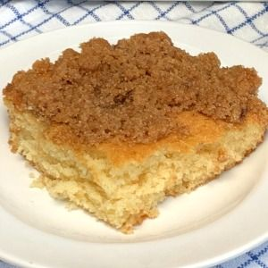 This Rich Buttermilk Cake With A Sweet Brown Sugar Streusel Topping Is So Easy To Make In A 9x13 Pan And It In 2020 Coffee Cake Buttermilk Coffee Cake Coffee Cake Easy