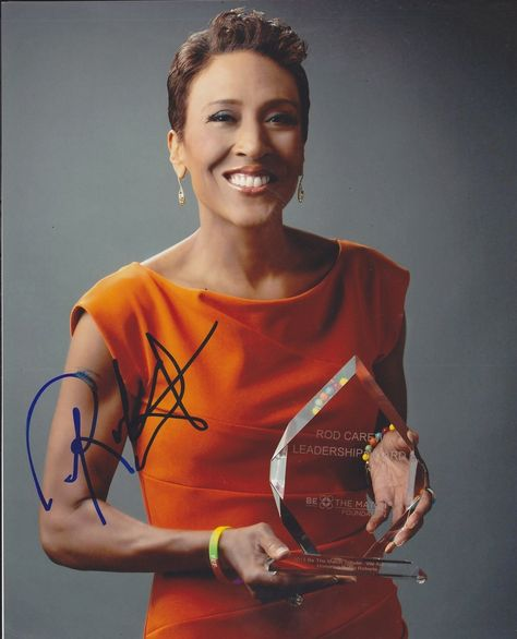 Robin Roberts Autographed Signed 8X10 Photo COA 'Good Morning America'