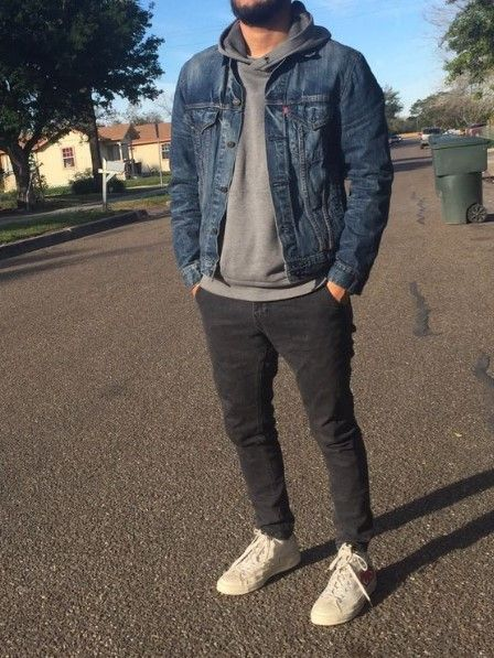 Denim jacket men - Life is what happens to you while you're busy making other plans John Lennon www modelcitizenmag comchooseyourcover modelcitizenmagazine modelcitizenapp modelcitizenmedia fashionmagazine m Casual Mode, Casual Street Style, Mode Masculine, Mode Outfits, Fall Outfits, Casual Outfits, Man Outfit, Men's Outfits, Hoodie Outfit