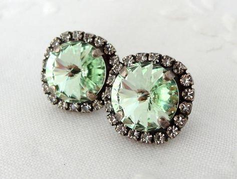 #weddings #jewelry #earrings #bridesmaidgift #bridalearrings #vintageearrings #bridesmaidsearrings #crystalpostearring #swarovskiearrings #studearrings #mintearrings #mintgreen #mintwedding #oxidizedsilverstud #mintgreenstuds