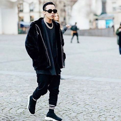 #parisfashionweek : @xxxibgdrgn , before @vetements_official show. 📷: @ahuypham