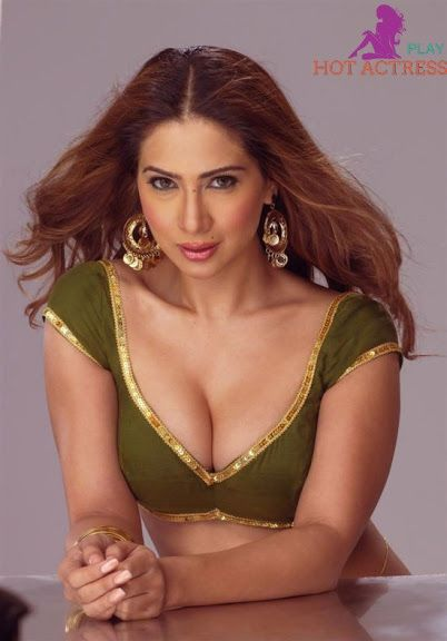 About hot bollywood actress think, that