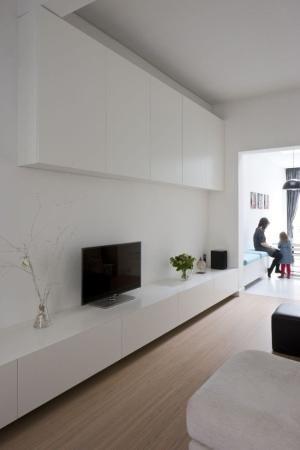 Ikea Tv Meubel Bovenkast.Kast Gaat Over In Zitelement Let Ook Op De Ondiepe Bovenkasten