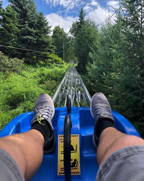 bucket list book 22 Things To Do In Pennsylvania That You Have To Add To Your Fall Bucket List - Narcity Oh The Places You'll Go, Places To Travel, Herbst Bucket List, Summer Bucket Lists, Day Trips, Stuff To Do, Pumpkin Patches, List Add, Pittsburg Pennsylvania