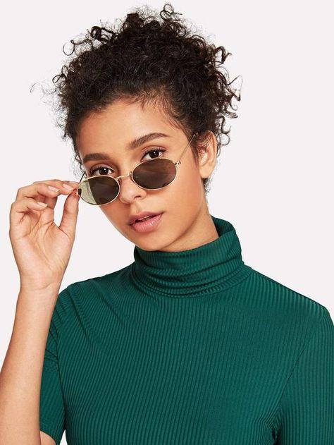 18f6afd5b Óculos de sol feminino redondo de vários estilos tamanhos e marcas. Estilo,  tendência retrô, hype, personalidade. Confira os modelos disponíveis na  Óculos ...