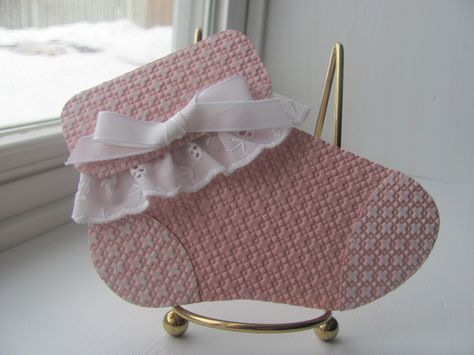 Follow this link for directions:  http://heartsdelightcards.blogspot.com/2011/08/baby-shower-invite.html