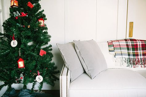 Keeping It Real - How Lonny Editors Decorate Their Homes For The Holidays - Photos