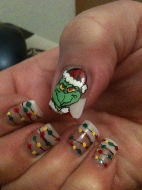 Grinch, hand painted! Fingernails #nails #seuss #manicure - I may need to do this or something like it for my niece's first baby shower! :)