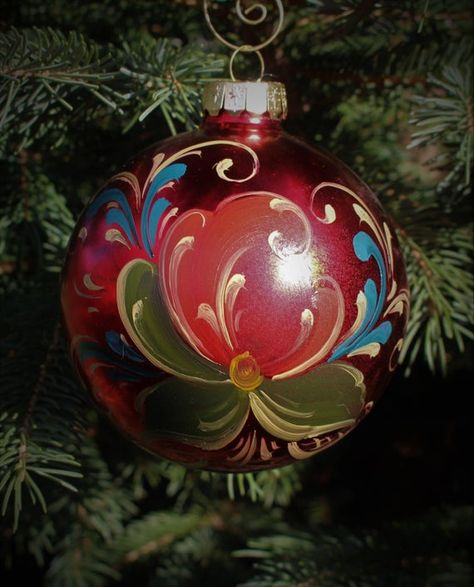 Zhostovo Hand painted Russian Xmas tree baubles  Balls Wooden