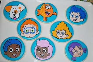 o.m.g.!!!! THE cutest bubble guppies cookies that I've seen!!!  Cute!!!!