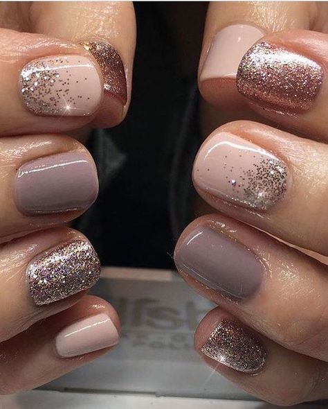 40 pretty and simple short nail ideas for the Fall / Winter HCYlife blog ... -  #blog #Fall #...
