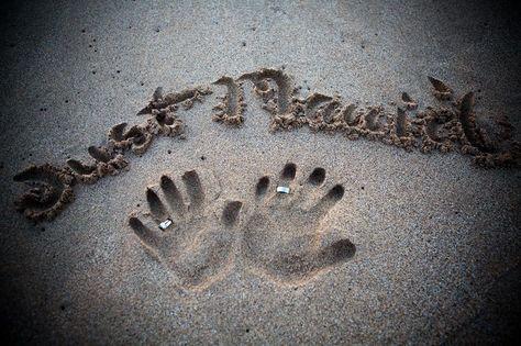 Just married written in the sand with rings - beach wedding photo ideas - hawaii weddings #weddingideas #weddingphotos #justmarried