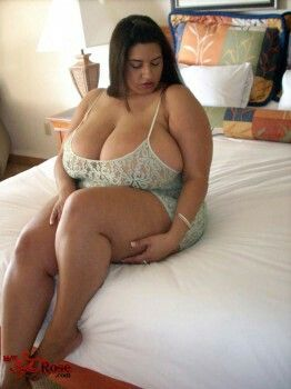 Bbw big tits solo
