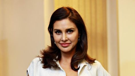 Mahesh Babu Girl Is Lesbian In 2020 With Images Lisa Ray