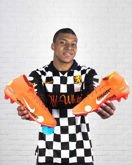 Rústico Escoba olvidar  Nike x Virgil Abloh Off-White Mercurial Vapor 360 Boots Released - Footy  Headlines | Soccer boots, Football accessories, Football boots