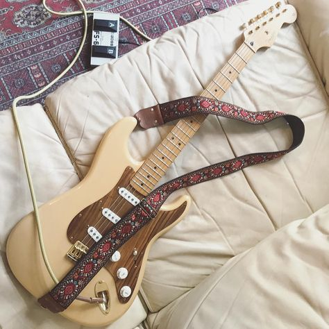 Learn how to play the fender guitar using these easy to understand techniques. Trying to play a guitar is straightforward to master, and will open numerous musical doorways. Fender Stratocaster, Fender Guitars, Acoustic Guitars, Fender Deluxe, Guitar Tuners, Learn To Play Guitar, Classical Guitar, Guitar Picks, Clips